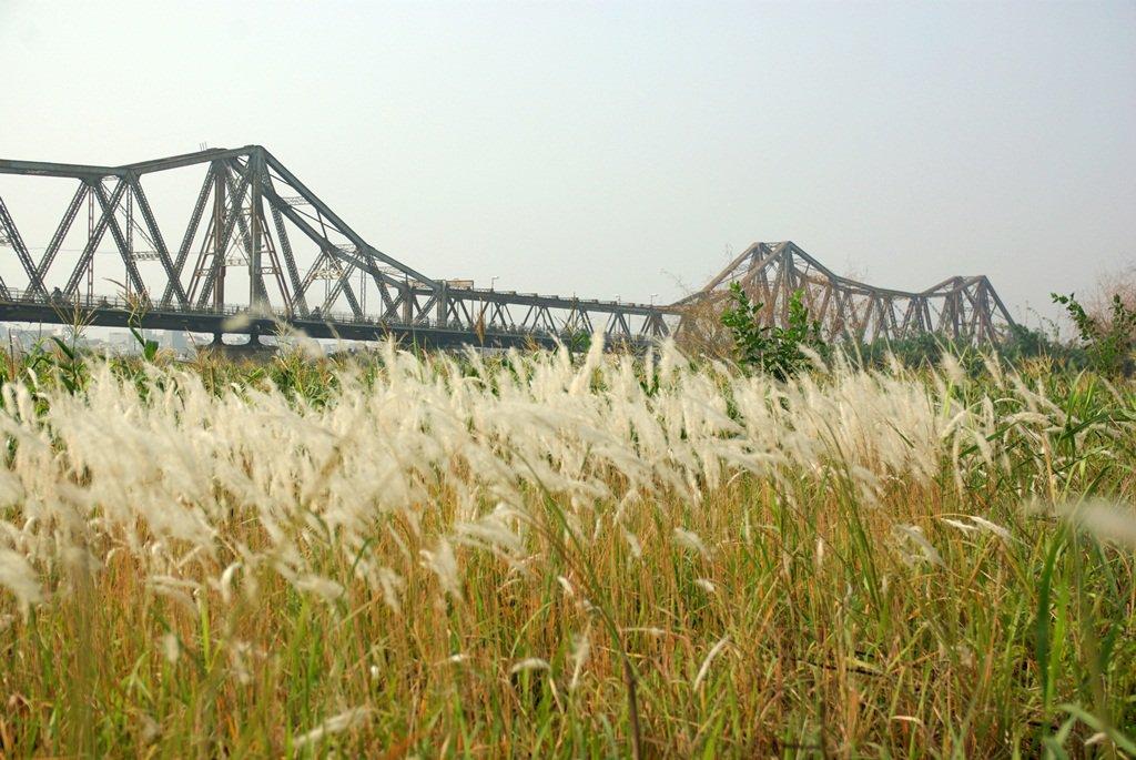 Cầu Long Biên và khu vực chụp ảnh của giới trẻ Hà Nội