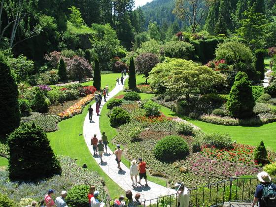 GOING ON ADVENTURES: Butchart Gardens--a blooming creation