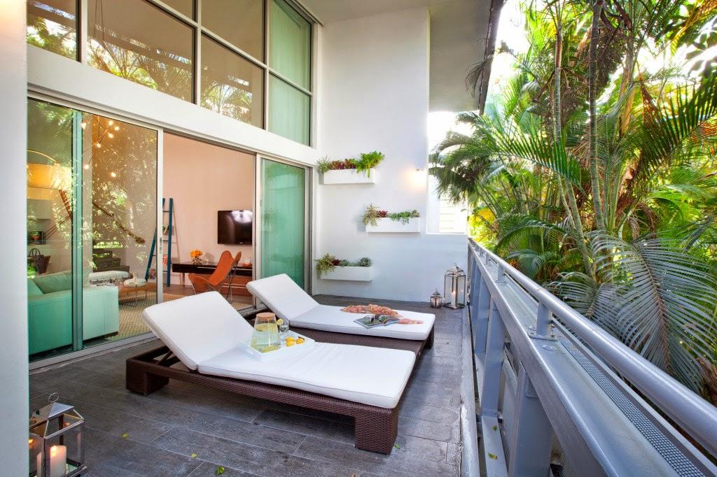 Home priority cozy and comfy balcony interior design for Balcony interior