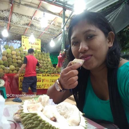 Staycation di Surabaya untuk Makan Durian