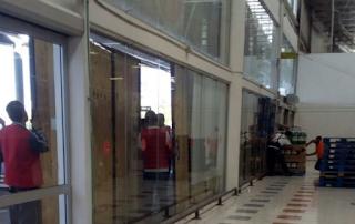 Ante rumores de nuevos saqueos Walmart CIERRA puertas en Veracruz
