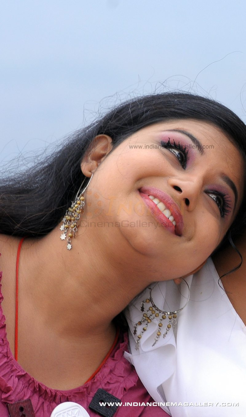 Hot Malayalam Serial Actress Veena Sexy Pics-8537