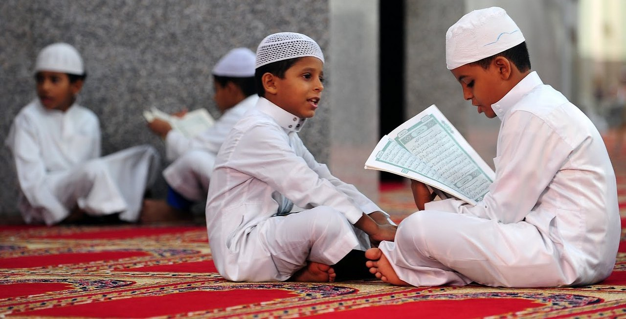 4 Tahapan Menikmati Bacaan Al-Qur'an