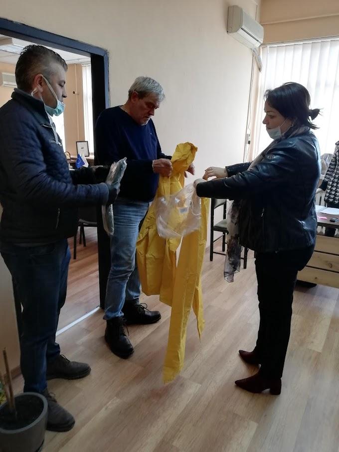 Общинското ръководство на ГЕРБ – Благоевград дари 150 защитни облекла за медиците в МБАЛ-Благоевград