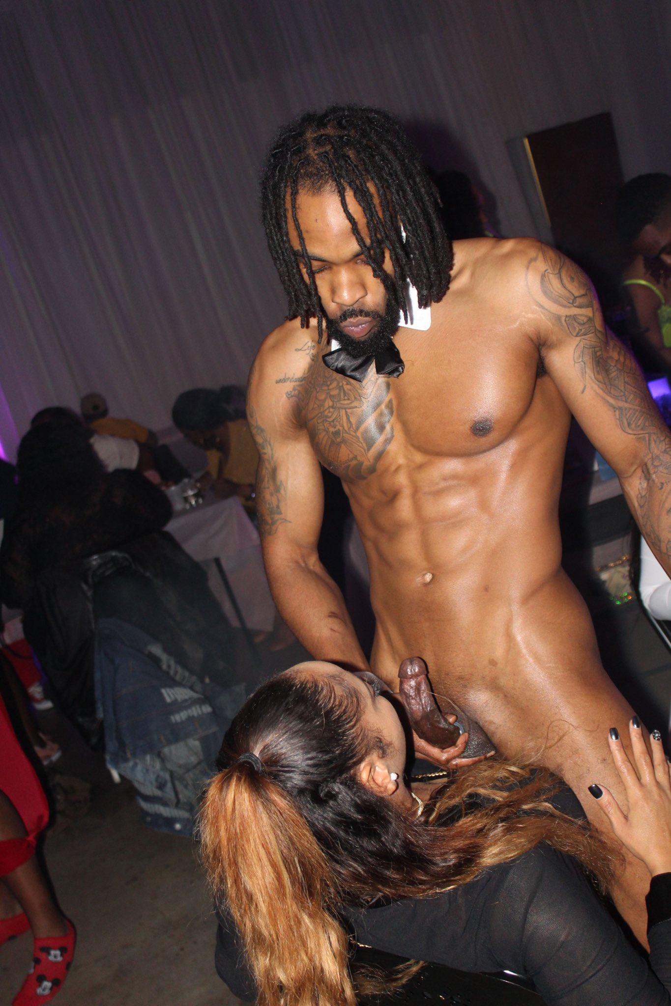 mamar verga de stripper