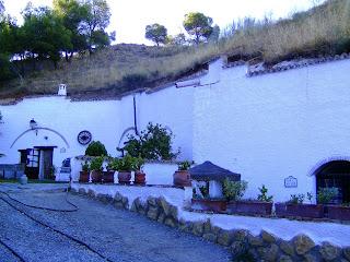 Cuevas de Rolando, Caves holidays, Guadix