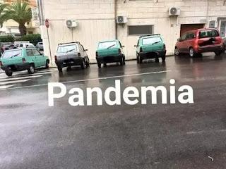 Varios Seat panda estacionados juntos