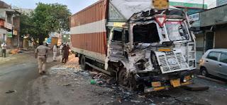 रास्तीपुरा हनुमान मंदिर के पास महाराष्ट्र से आरही बस व ट्रक की भीषण टक्कर, दोनो ड्राइवर गंभीर