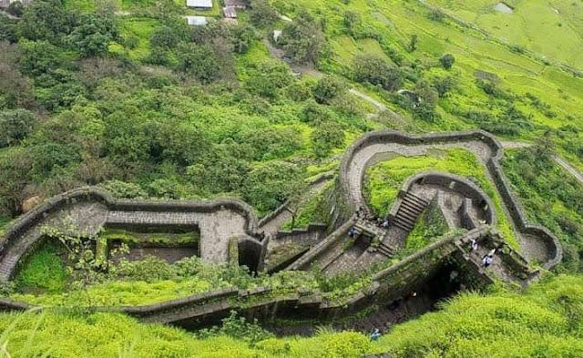 लोहगढ़ किला लोनावला का सबसे प्रसिद्ध किला lohagad fort information in hindi