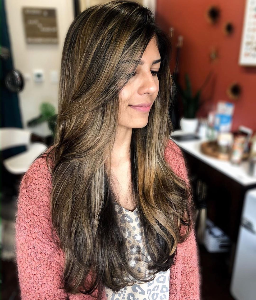 150 Gambar Model Gaya Rambut Panjang Wanita Terbaru 2020