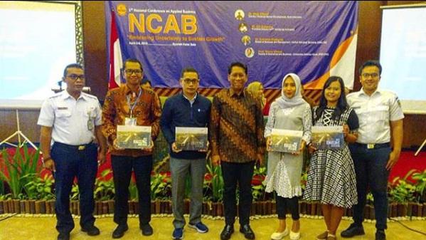 Dosen Prodi Bisnis Kewirausahaan Universitas Widya Mataram mengikuti National Conference on Applied Business