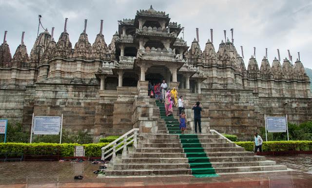 Visita al El Templo de Chaumukha