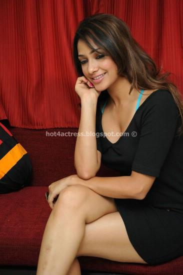 Gorgeous AKARSHA in black short dress