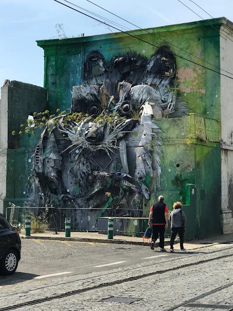 Hoje vamos descobrir arte urbana bordalo ii