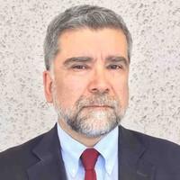 Eugenio Olea Becerra esposo de la doctora Carolina Herrera