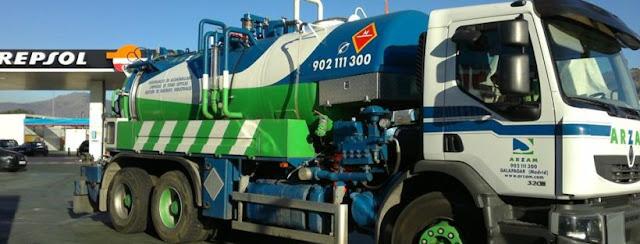 Desatrancos tuberías con camiones cuba