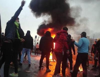 Kronologi Demo Ricuh Madina Berujung Mobil Wakapolres Dibakar
