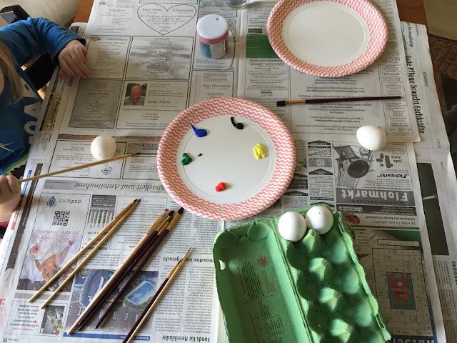 Ostereier bemalen mit Kindern