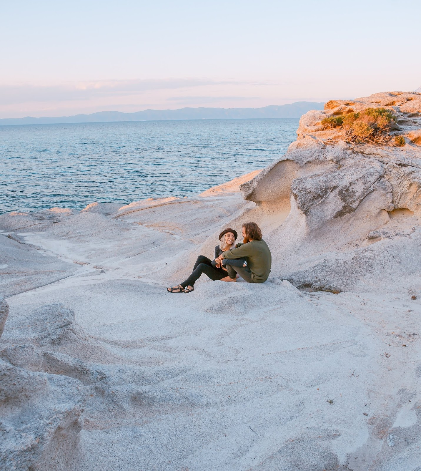 Beautiful Location at Beach for Couple DP
