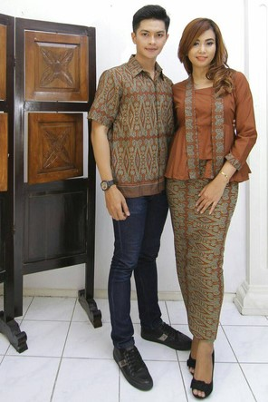 Model Kebaya Batik Couple Modern Untuk Kondangan