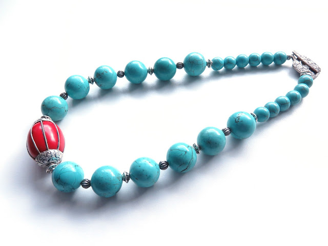 https://www.etsy.com/au/listing/482854935/frida-chunky-necklace-turquoise-red-and?ref=shop_home_active_1