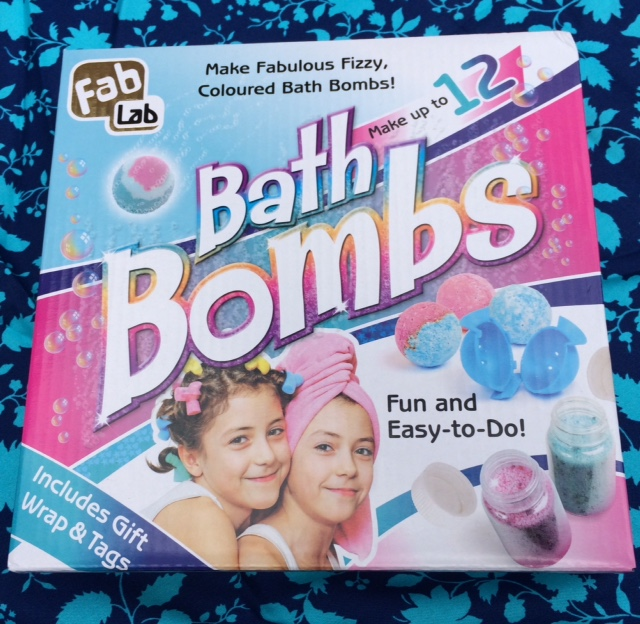 FabLab Bathbomb Making Kit - Review and Giveaway