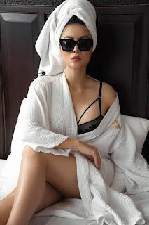 Diễn viên Thanh Hương ngày càng sexy, khoe đường cong nóng bỏng trên giường