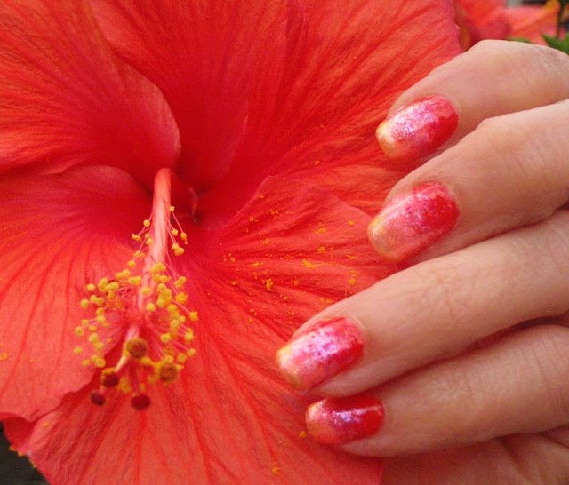 hibiscus ombre nail designs