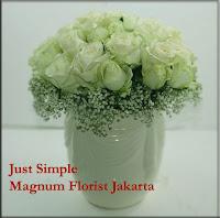 Karangan Bunga Mawar Putih Sederhana