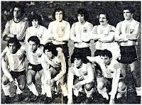 SELECCIÓN DE ARGENTINA - Temporada 1977-78 - Baley, Houseman, Killer, Olguín, Carrascosa y Tarantini; Gallego, Ardiles, Roldán, Maradona y Bertoni - SELECCIÓN DE PARAGUAY 2  SELECCIÓN DE ARGENTINA 0 - 31/08/1977 - Torneo amistoso Copa José Félix Bogado, partido de vuelta - Asunción, Paraguay, estadio Defensores del Chaco - Argentina había ganado 2-1 en la ida y al no contar la diferencia de goles, hubo desempate a penaltys que ganó Paraguay por 3 goles a 1, proclamándose Campeón de este Torneo