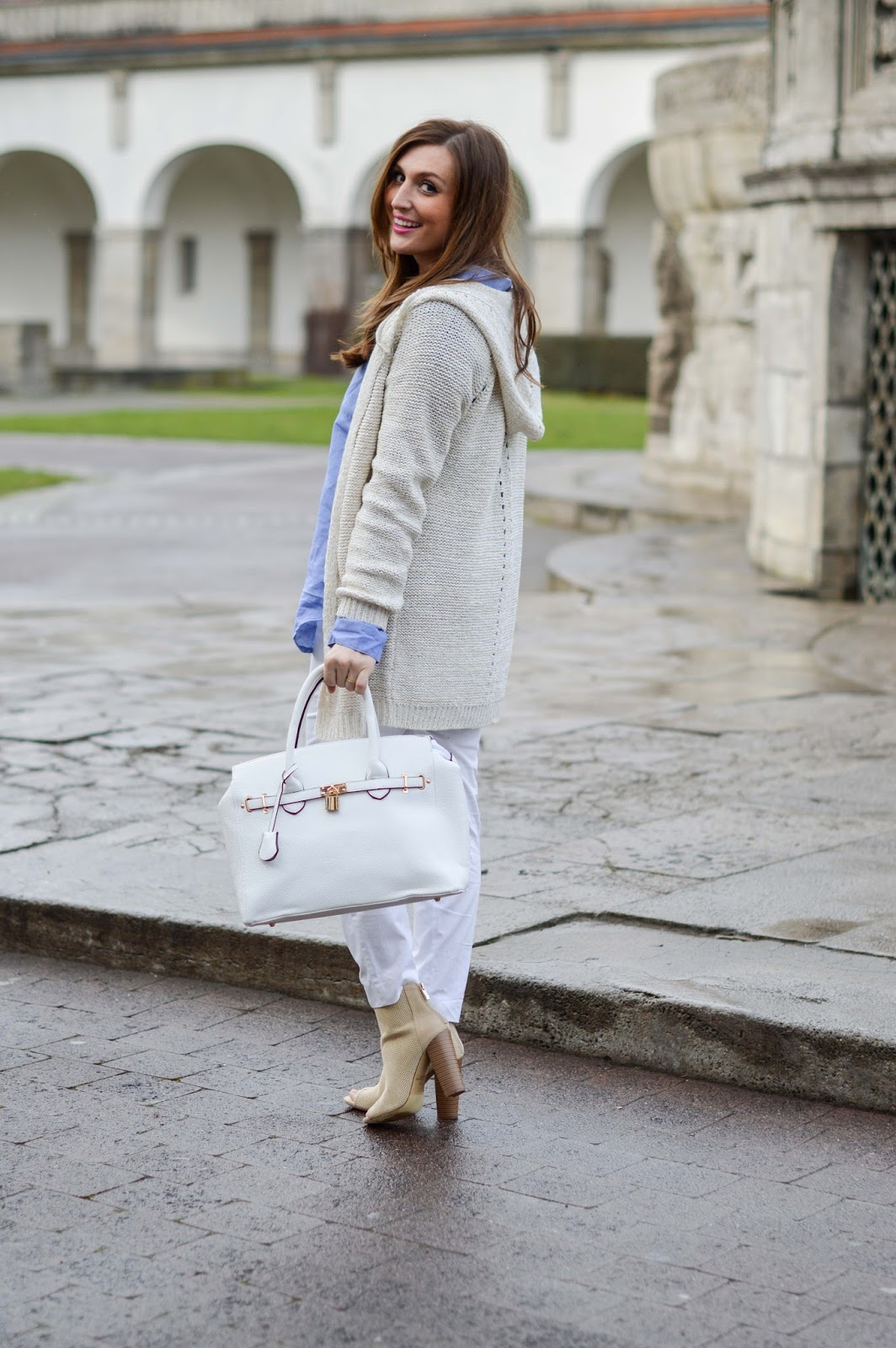 weiße Tasche kombinieren - xxl Bluse - blaue Bluse - Fashionblgger aus Deutschland - German Fashionblogger