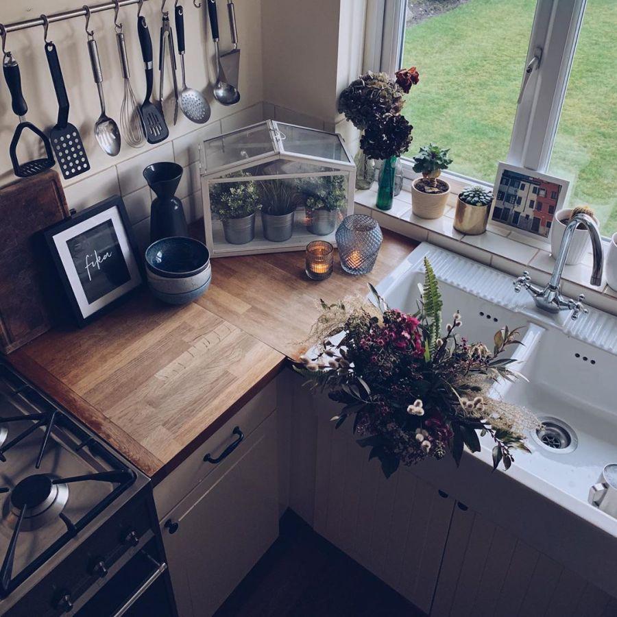 Przytulne mieszkanie urządzone w myśl filozofii hygge, wystrój wnętrz, wnętrza, urządzanie domu, dekoracje wnętrz, aranżacja wnętrz, inspiracje wnętrz,interior design , dom i wnętrze, aranżacja mieszkania, modne wnętrza, hygge, styl skandynawski, Scandinavian style, kuchnia, skandynawska kuchnia, kitchen,