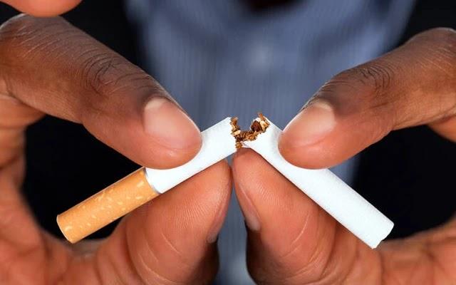 Μειώθηκε στο μισό το κάπνισμα στην Ελλάδα, τι δείχνουν τα στοιχεία για την τελευταία 10ετία