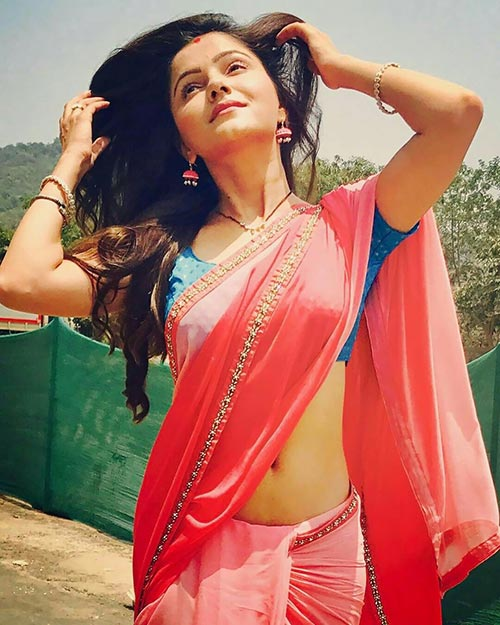 Rubina Dilaik in low waist saree navel actress shakti astitva ke ehsaas ki