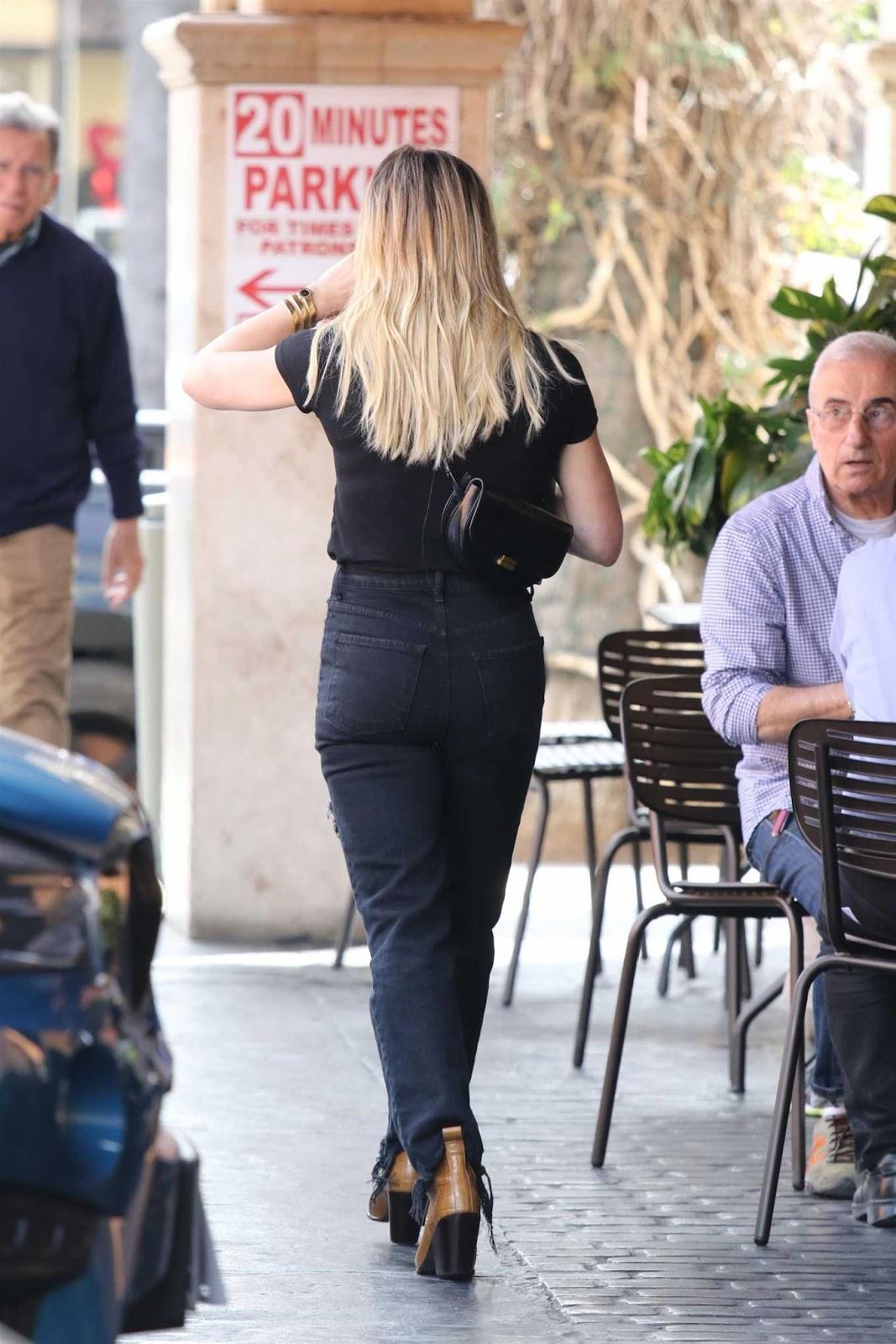 Hilary Duff Hot Ass in Black Jeans
