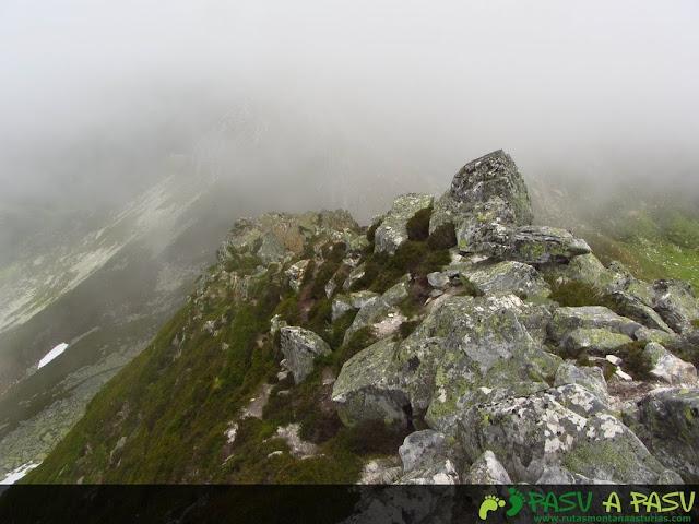 Ruta al Pico Torres y Valverde: Parte baja de la arista este del Torres