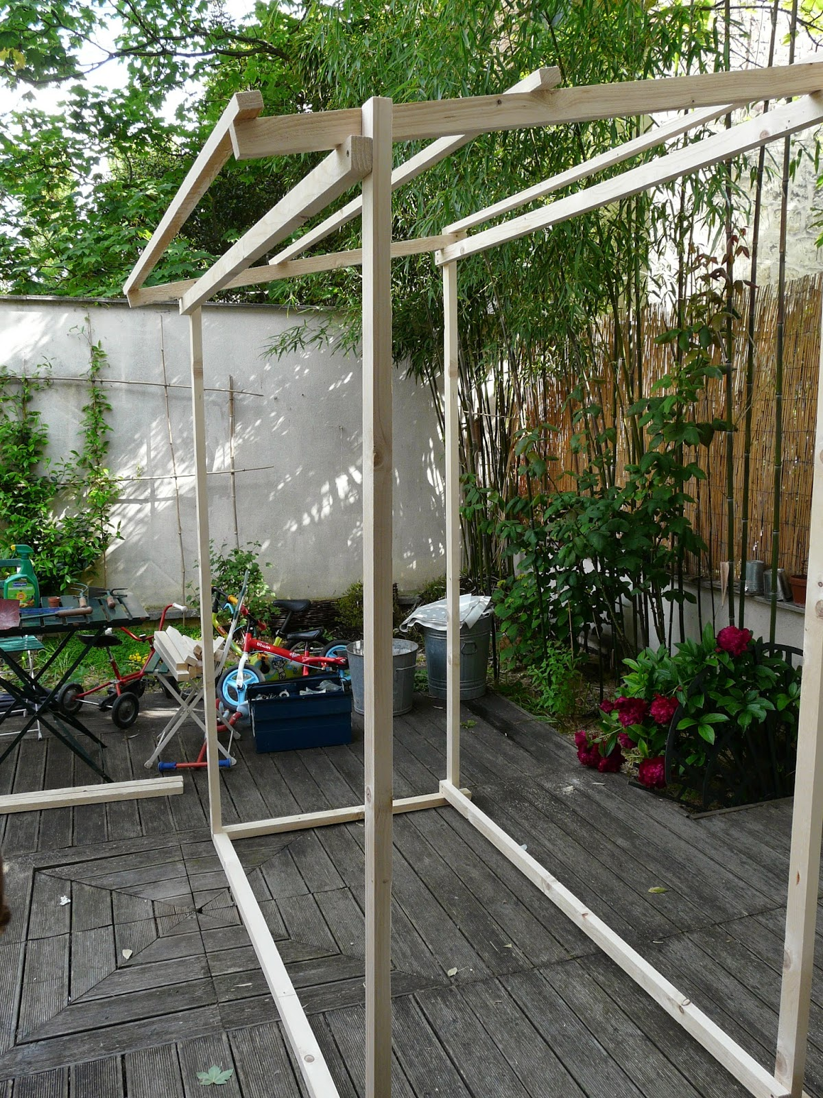 tante cath le blog diy construire sa cabane de jardin. Black Bedroom Furniture Sets. Home Design Ideas