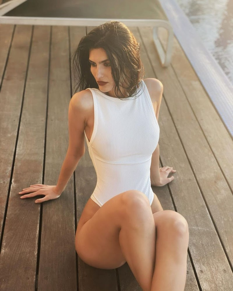 Yael Cohen Clciked in a White Swimsuit – Instagram Photos 87 Jan -2021