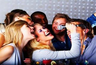 Kitô hữu có nên tụ tập đi chơi, uống rượu bia và bài bạc không?