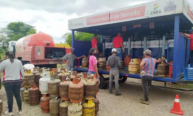 A PRECIOS SOLIDARIOS: CAROREÑOS COMPRARON GAS DEL PLAN CAYAPA