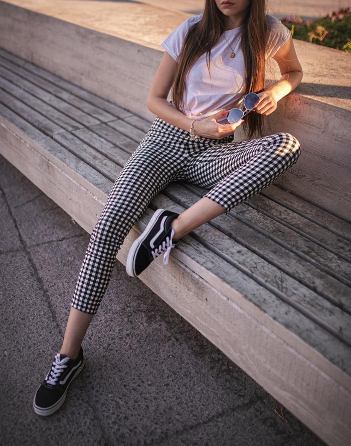 spodnie w kratkę jak nosić