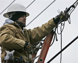 Image result for ผู้ที่ทำงานเป็นช่างไฟ