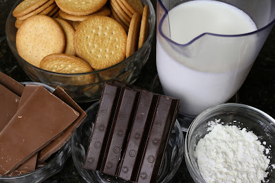 Ingredientes para tarta de dos chocolates y galletas