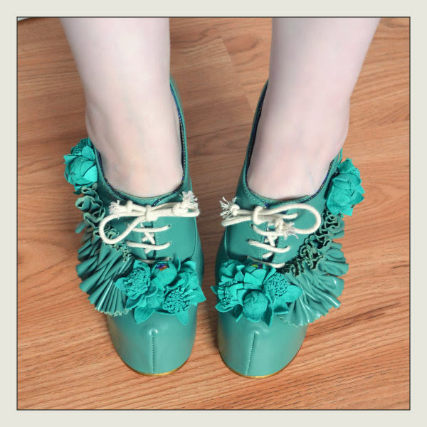 wearing irregular choice green petrisha shoes