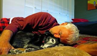 Η απώλεια ενός σκύλου πληγώνει όσο η απώλεια ενός αγαπημένου ανθρώπου σύμφωνα με έρευνα