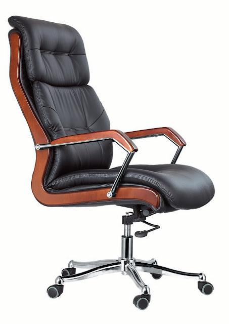 Tránh để ghế da văn phòng tiếp xúc với nguồn nhiệt cao, bề mặt da rất dễ bị phai màu và tạo thành những đường nứt gây mất thẩm mỹ