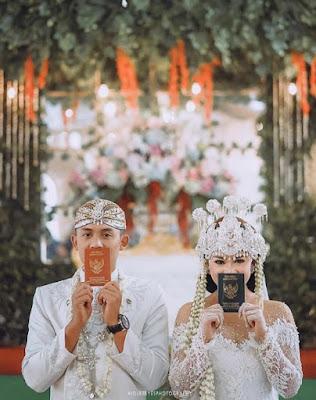 Gaya foto pernikahan terbaru