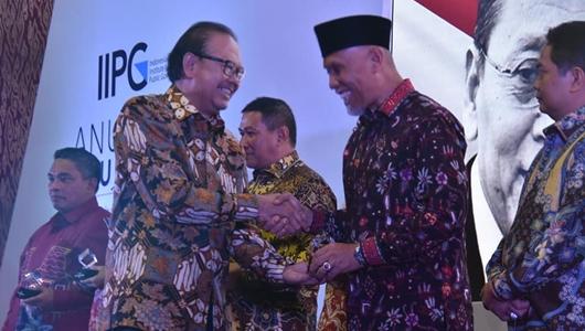 Untuk Ketiga Kalinya, Pemko Padang Raih Penghargaan Anugerah Pandu Negeri