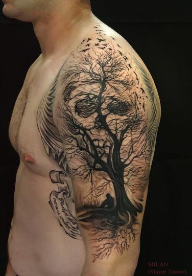 Tato Cowok Keren di lengan gambar Pohon Terbaru