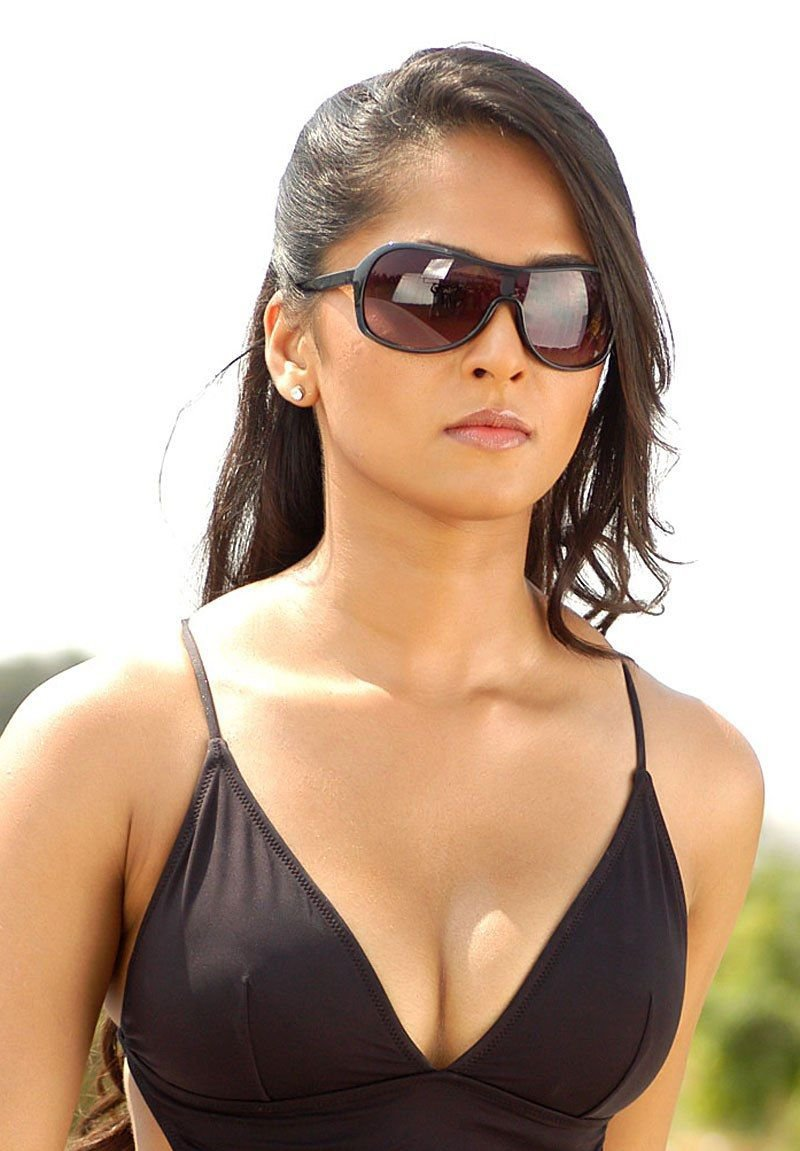 Telugu, Hindi, Tamil, And Kanada Heroine Anushka Shetty -8733